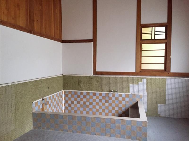 刑務所浴場浴池修復完成樣貌