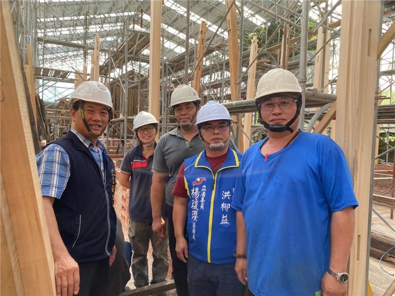 公版-潭子國小日式校舍的修復工程,邀請文化部認可的大木作修復匠師參與