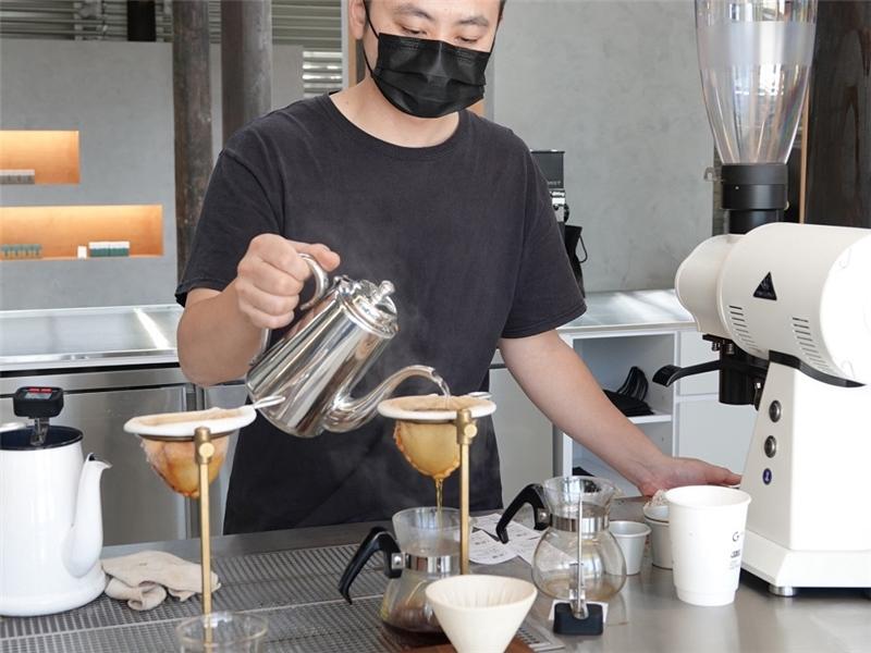 公版-將茶與咖啡以完美比例調配