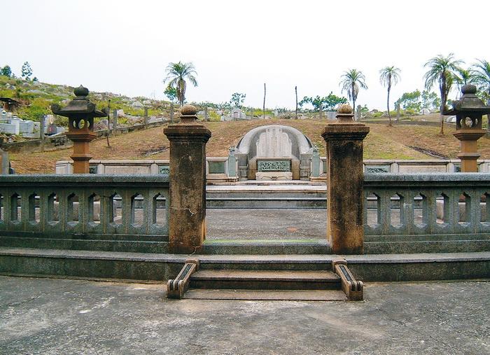 后里賢坂張家祖墓