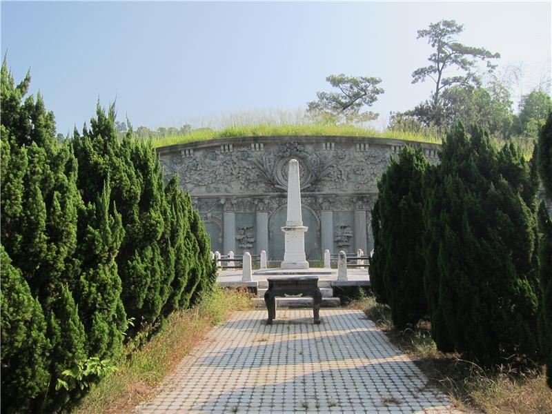 吳鸞旂墓園
