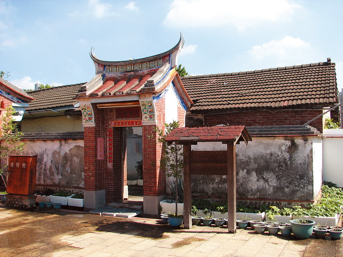 張家祖廟左護龍旁建築