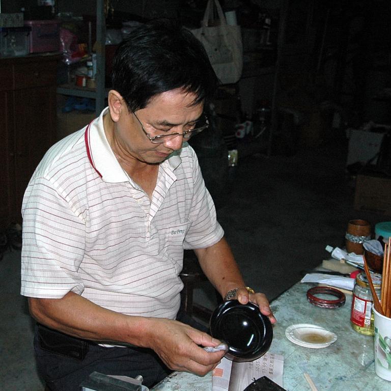 漆工藝-木胎漆器.保存者劉清林